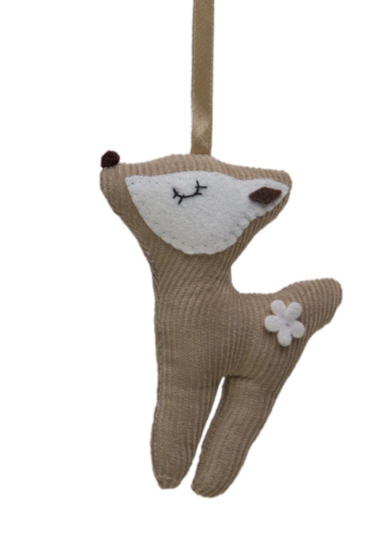 doorhanger/ kasthanger deer @ FabsWorld  #doorhanger #kasthanger #fabs world #deer #hertje #corduroy #decorationideas #babyroom #inspiration #kidsroom  shop: fabsstore.com (ship world wide)