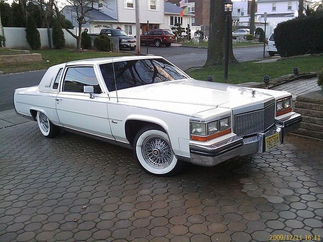 1982 Cadillac Fleetwood Brougham Coupe