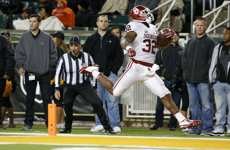 Oklahoma's Samaje Perine (32) scores a touchdown during a college football game between the University of Oklahoma Sooners (OU) and the Baylor Bears at McLane Stadium in Waco, Texas, on Saturday, Nov. 14, 2015. Oklahom won 44-34. Photo by Bryan Terry, The Oklahoman