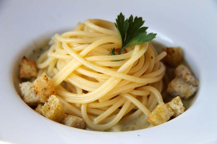 Spaghetti+pane+olio+aglio+tradizione+contadina+del+Cilento