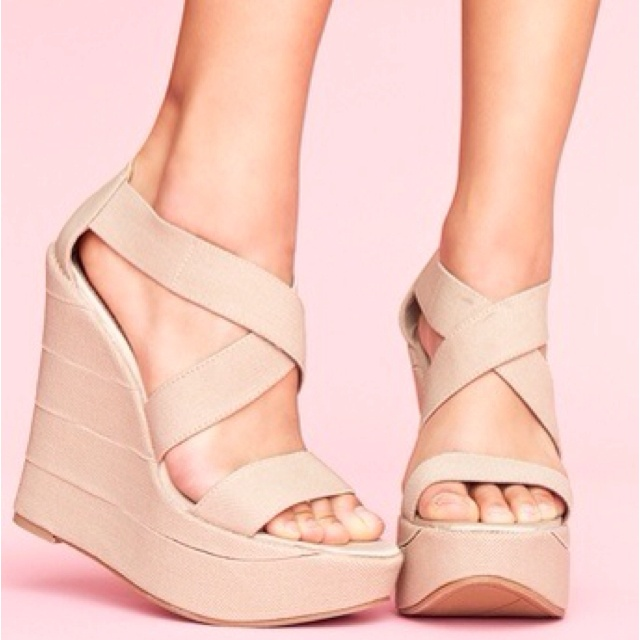 1000  images about Nude Shoes on Pinterest | Pump, Loafers and ...