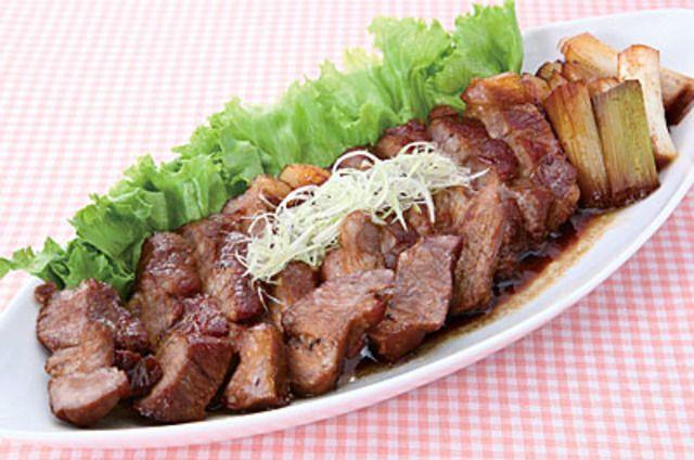 豚肩ロースブロックで簡単!絶品!煮豚のレシピ・作り方・食材情報を無料でご紹介しているページです。