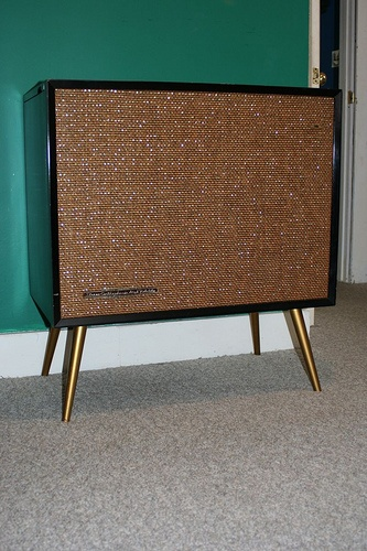 RCA SHP-9 record player by Roseate Spoonbill, via Flickr