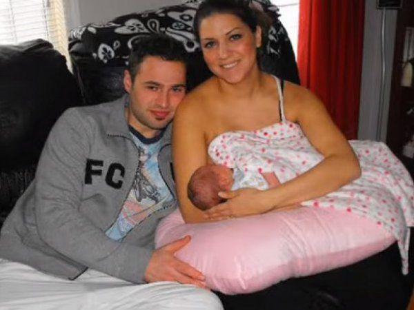 Tři týdny po porodu bylo Holly Gerlach diagnostikováno velice vzácné autoimunitní onemocnění, kterému se říká Guillain-Barrého syndrom. Vše začalo bolestí krku a slabostí nohou. Během prvních 72 hodin úplně ochrnula a nebyla ani schopna sama dýchat.  Strávila dva a půl měsíce na jednotce intenzivní peče, ale Holly nikdy nepřestala bojovat. Podívejte se na zázračnou proměnu Holly a její boj se zákeřnou nemocí...