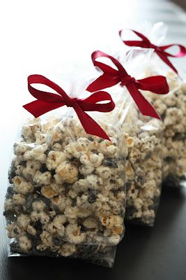 Cookies and Cream Popcorn Ingredients: 1/2 cup unpopped popcorn kernels, or 2 bags tender white popcorn 1 (12 oz) bag Vanilla Candy Melts, such as Wilton 24 Oreo cookies, chopped into pebble size pieces (about 3 cups)