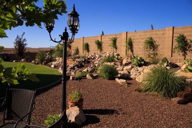 37 Desert Landscape Ideas Incorporating The Beauty Of An 400 x 300