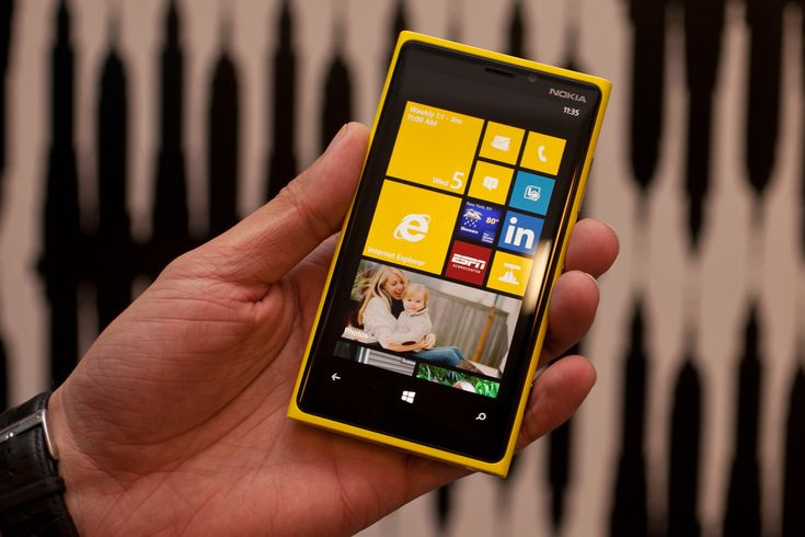 How to perform soft and hard reset on #Nokia Lumia 920 https://www.technobezz.com/how-to-perform-soft-reset-and-hard-reset-on-nokia-lumia-920/