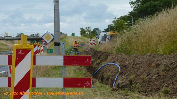 Leidingen leggen langs de N99 m.b.v. sleuvenfrees!