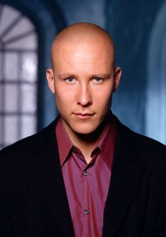 SMALLVILLE - MICHAEL ROSENBAUM PLAYS LEX LUTHOR - RUTHLESS!! I can't believe how they portray him in the show  how nice a person he really is!!