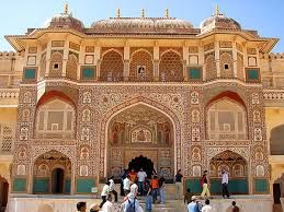 #Amber Fort - This stunning #Fort was conquered by Kachchawa Clans of #Rajputs. It has several spectacular #buildings such as #Diwan-e- khas and #Ganesh-Poll.