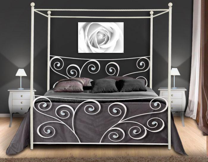 Sov godt i en romantisk himmelseng❤️ http://www.jernmøbler.com/katalog/himmelseng/artikkelen/48252/Himmelseng+i+smijern%2C+kolleksjon+ROMANTICO #seng #himmelseng #soverom #interior #interiør #mirameinteriørogdesign #interiormirame #design #nettbutikk #møbler #smijern