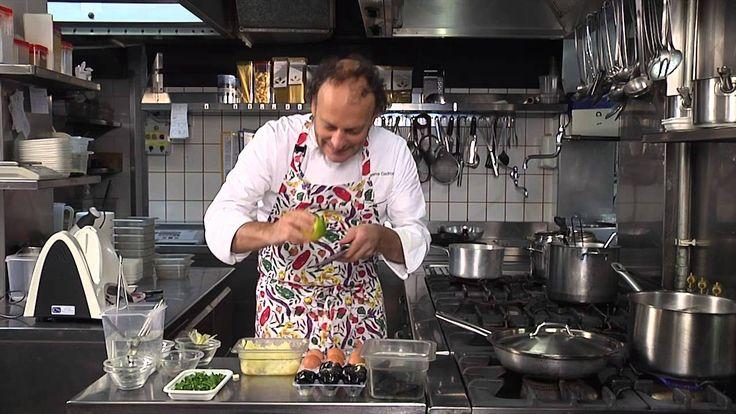 Mosciolo selvatico, alla moda di Portonovo con uovo al nero di seppia Ce...