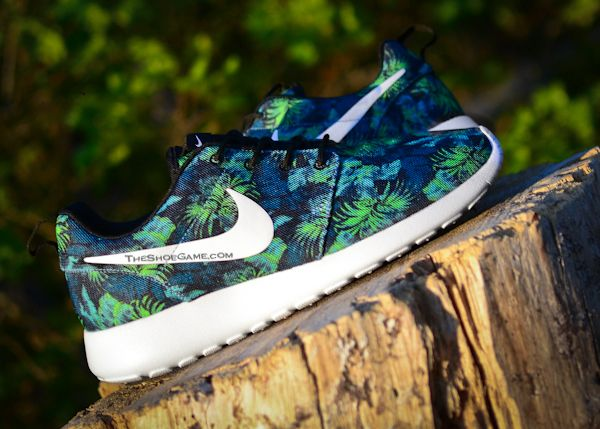 "Nike Roshe Run ""Poison Green Palm Trees"" 