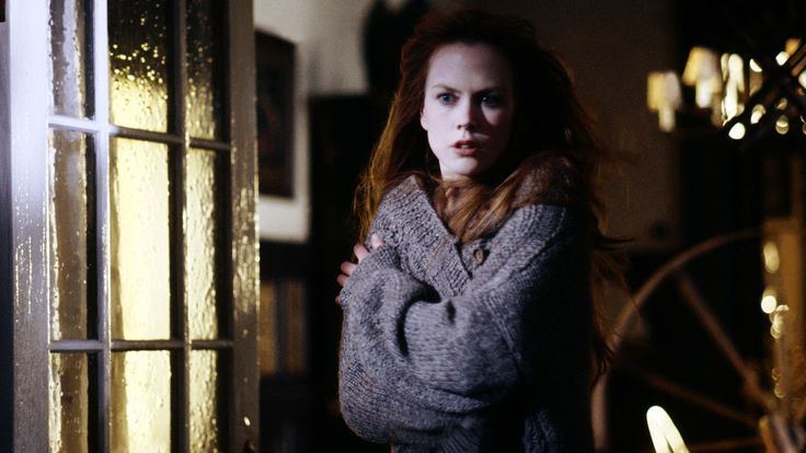 I regissør Griffin Dunnes romantiske komedie er søstrene Sally og Gillian moderne hekser, som leder svært kompliserte kjærlighetsliv som følge av en uvanlig forbannelse.