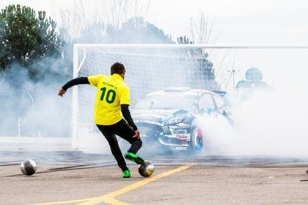 Neymar vs Ken Block - Video Online