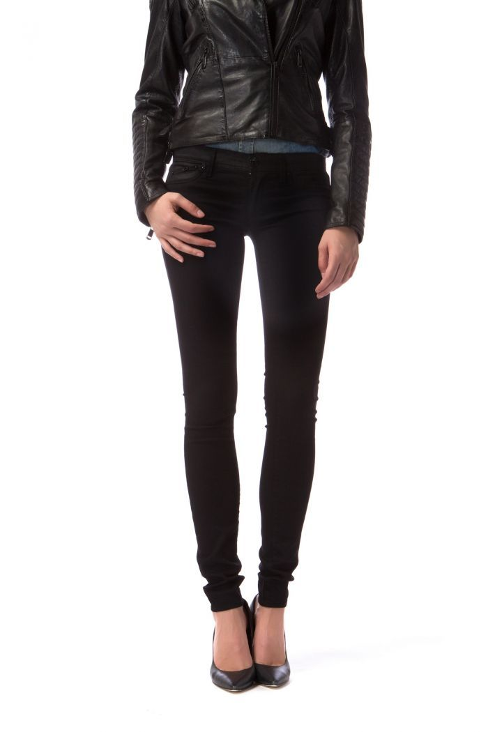 Sumatra Mix - Jegging in soft, superstretch denim cloth for a second-skin effect that shapes and enhances feminine curves. Contrasting details in different material on the belt and front pockets.