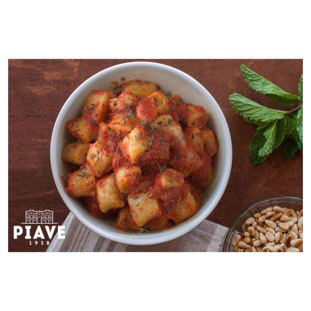 Ecco una ricetta #sana, #leggera e veloce per iniziare bene la settimana: gnocchi di pane con olio di semi di soia #piave..Buon appetito! http://www.olidelbenessere.it/ricetta/gnocchi-di-pane/ #olidelbenessere #benessere #ricettadelgiono #vegetariana #fotdelgiorno #madeinitaly #food #foodporn #yum #instafood #TagsForLikes.com #yummy #instagood #photooftheday #lunch  #fresh #tasty #delish #delicious #eating #foodpic #foodpics #eat #hungry #foodgasm #hot #foods