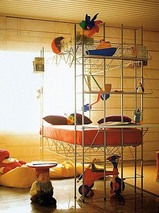In 1972, Bruno Munari designed the Abitacolo kids bed for a company called Robots.    could a ghetto version of this be made with pipe and flange?
