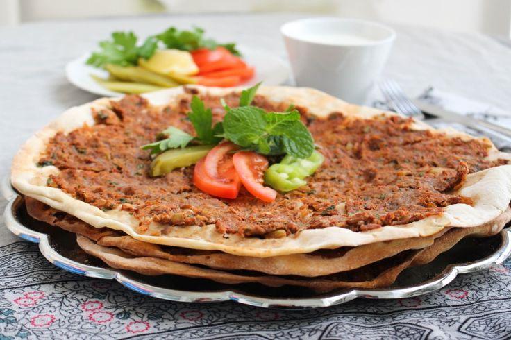 Lahmacun - Köttfärspizza - ZEINAS KITCHEN