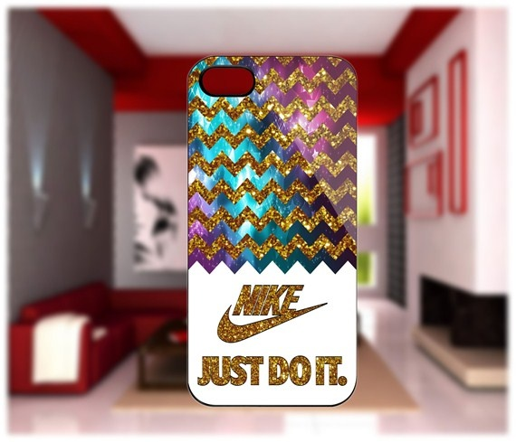 Nike Chevron Gold iPhone 4/4S Case iPhone 5 Case Samsung Galaxy S2 Case Samsung…