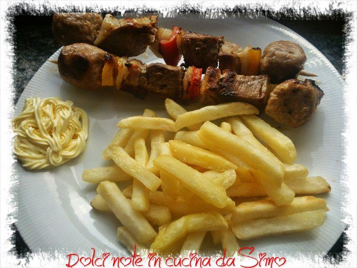 Dolci note in cucina da Simo: Spiedini e patatine