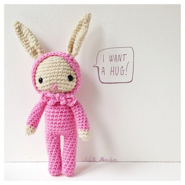 Isabelle Kessedjian bunny amigurumi - I want a bunch of theses in different colors!