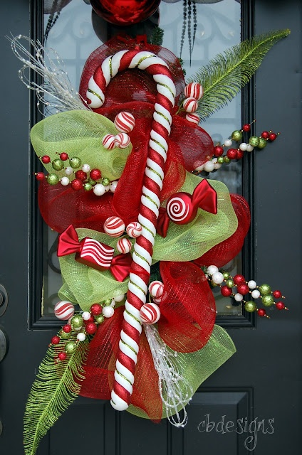Wreath...love it!: Candy Canes Wreaths, Christmas Wreaths, Doors Decor, Christmas Swag, Christmas Doors, Front Doors, Christmas Stockings, Christmas Decor, Mesh Wreaths