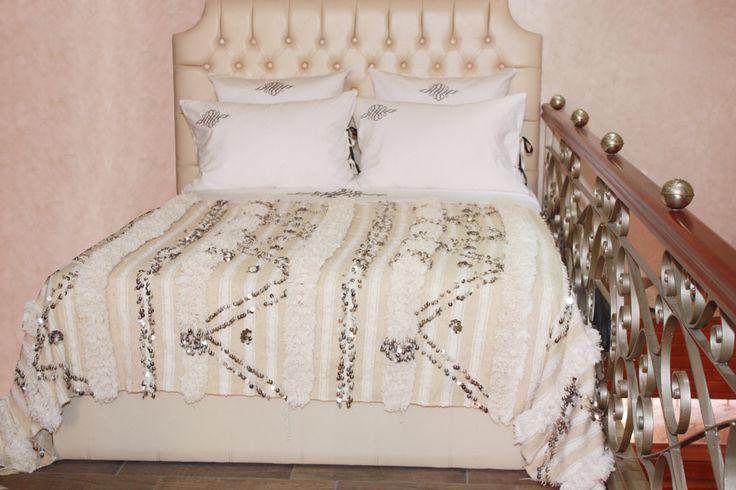 17 meilleures images propos de couverture de handira. Black Bedroom Furniture Sets. Home Design Ideas