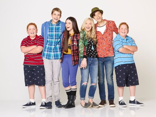 Best Friends Whenever  is on tonight at 8! Comment if ur watching!