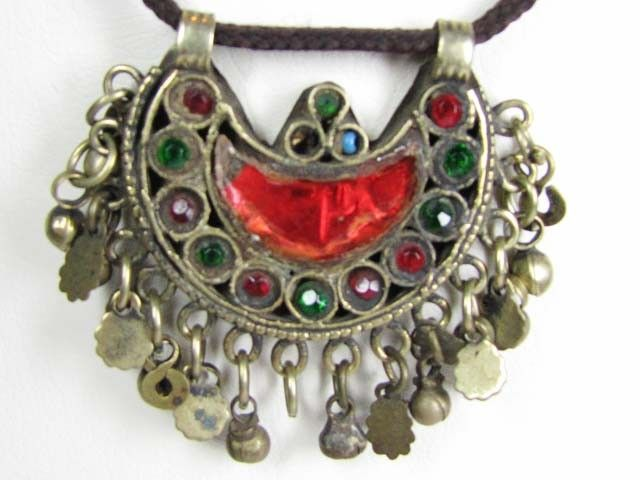 TRADITIONAL TIBETAN SILVER NECKLACE 104  CTS TR 849  CHARMING AGED TRIBAL FASHION FROM TIBET JEWELLERY, FROM JEWELLERYAUCTIONS.COM