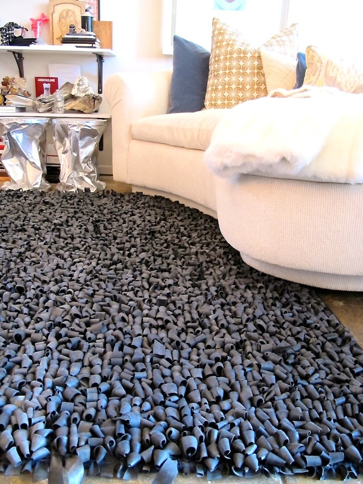 I would love to feel this upcycled rubber tire rug! It looks so cool! #ReTire #RubberofftheRoad