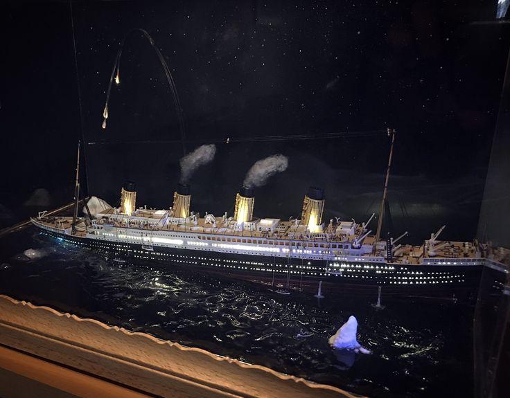 Titanic Diorama sinking