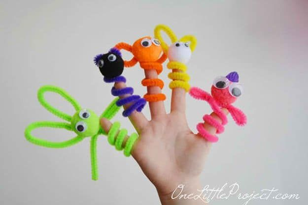 Pipe Cleaner Finger Puppets   Pipe cleaners are perfect medium for kids to explore shapes, convey their utmost artistic ideas and perhaps practice their manual dexterity while creating figurines. Use these creative ideas the next time you plan afun crafting activitywith your precious one. Happy crafting!