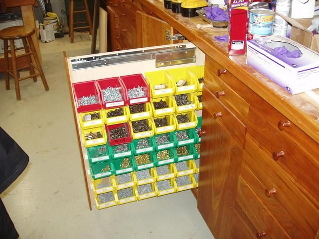 Screw storage pull out organizer - WoodworkersZone WoodWiki