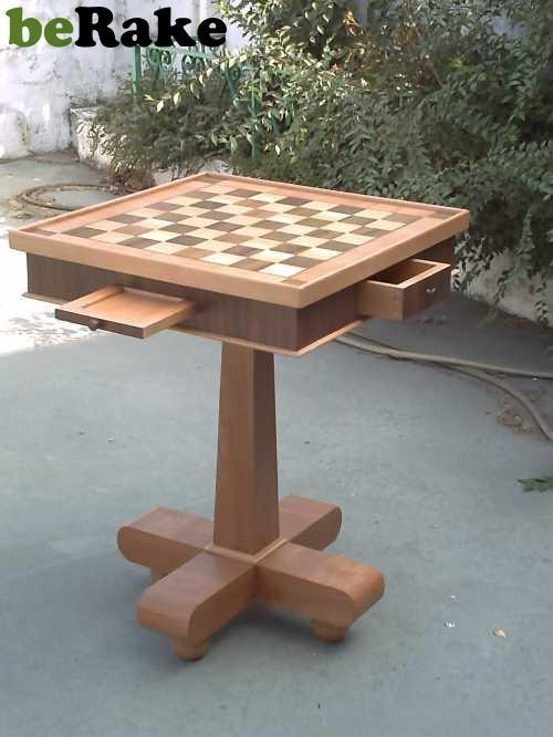 Vendo Mesas de ajedrez realizada con teselas de teka y piro ruso, con cerezo...