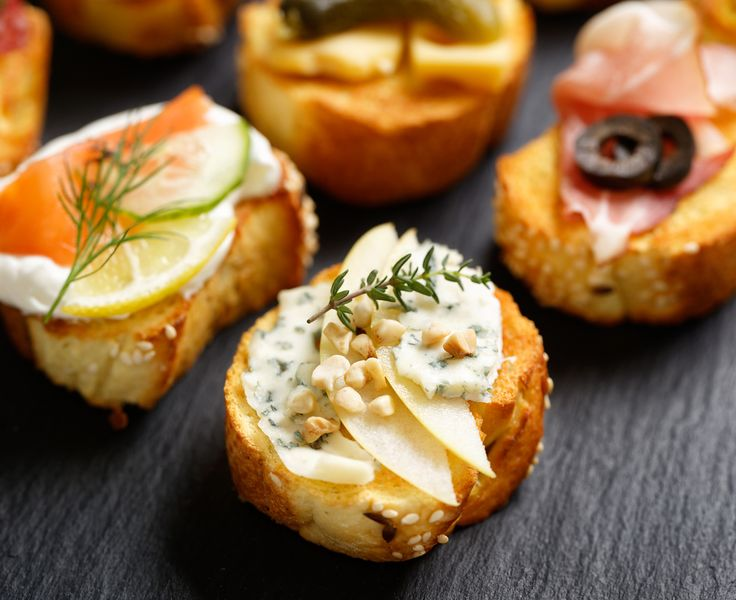 Small canape, crostini with grilled baguette, blue cheese, apple slices, cashew nuts and fresh thyme #appetizer #canapes #snacks #appetizers #appetizerplatter #appetizersfordinner #appetizerspecial #canapescatering #canapesbuffet #snacktime #snack #snackporn #rusticfood #rustickitchen #rusticwedding #catering #cateringlife #events #party #foodies #foodshare #foodpost  . How was your rustic day? Share it #BeLikeTomBeRustic