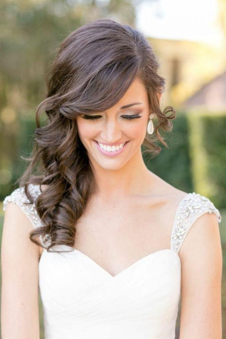 Brautjungfern Frisuren elegante Lockenfrisur seitlich