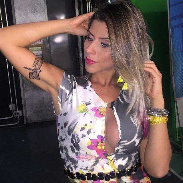 Ana Paula está apaixonada por sua nova tatuagem de libélula   Megamax Top