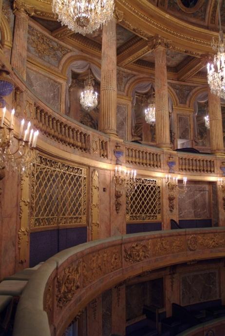 """King Arthur"" à Versailles, revu par Shirley et Dino"