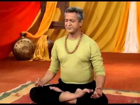 BHASTRIKA  Bij bhastrika is er sprake van de middenrifademhaling, ofwel met gebruikmaking van het middenrif en niet van de borstkas. Bhastrika wordt in de regel met een duidelijke nadruk op de uitademing uitgeoefend: deze is krachtig en actief, terwijl de inademing passief en reagerend blijft.  Bhastrika is een oefening voor gevorderde yogi's.