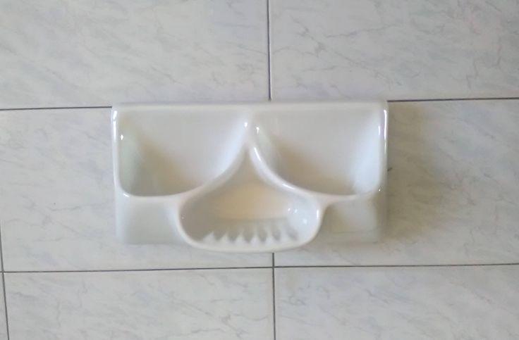 Vintage porta sapone e detergenti in porcellana bianca / Porta spugne porcellana bianca / Vintage portasapone a muro di VintaFai su Etsy