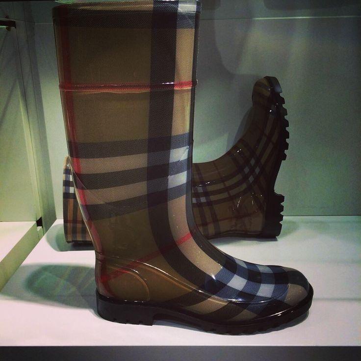 Burberry regenlaarzen. Iets voor jou? #designer