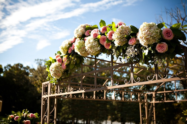 Ceremony decor - The Gates on Roblin with TANYA + DARA | @Curtis Moore Photography