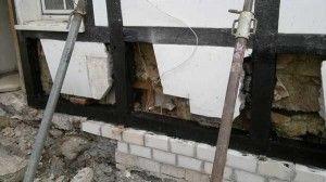 sichern des Fachwerks mit Drehstützen, Erneuerung der beschädigten Fachwerk Balken, Eiche