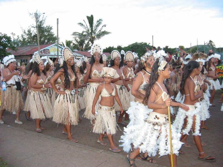 From volcanoes and beaches to the culture and the mysterious Moai. Easter Island…