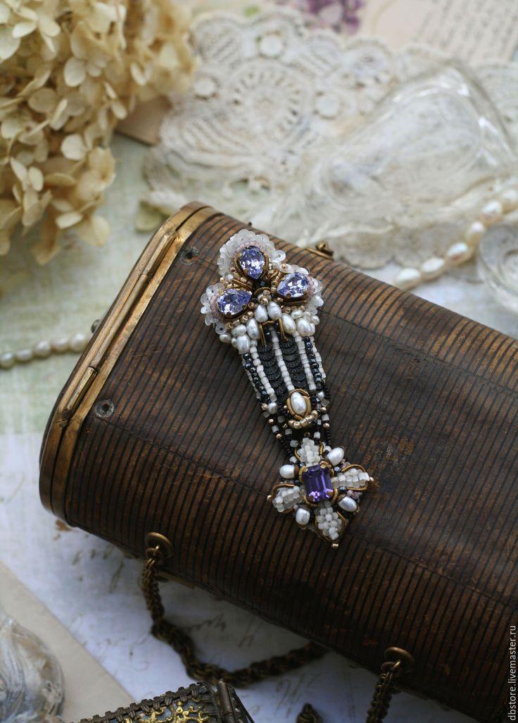 """Купить Брошь """"Царские прием"""" - бледно-сиреневый, брошь орден, необычное украшение, необычная брошь"""