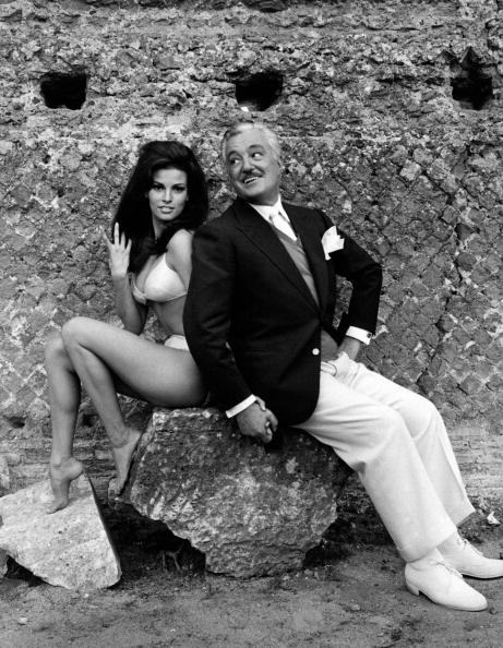 Raquel Welch & Vittorio De Sica                                                                                                                                                                                 Mais