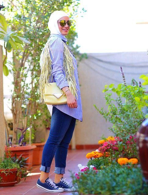 fringe shoulder bag, Modest street hijab fashion http://www.justtrendygirls.com/modest-street-hijab-fashion/