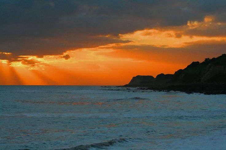 Isle of Wight Beaches | Red Funnel Isle of Wight Ferries, another dramatic sunset over the sea....