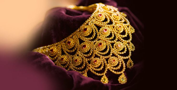 Tanishq - A Wedding To Remember - I loved this jewellery piece from Tanishq #aWeddingToRemember Check it out+now! PRODUCT CODE : 2813NAP